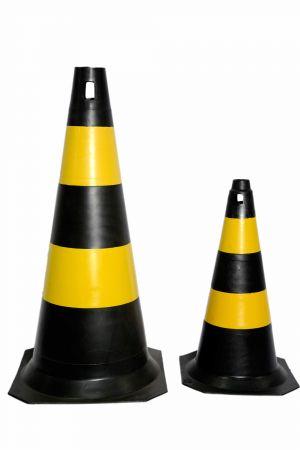 Cone PVC preto e amarelo 75cm/50 cm