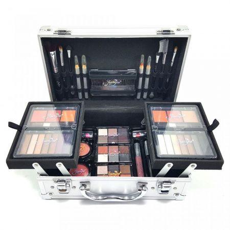 Maleta com Kit de Maquiagem Completo ... Promoção 3x 79,96 ou ávista
