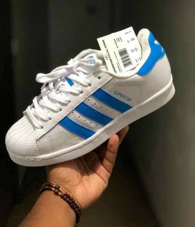3f69797176b  p Adidas SuperStar - Branco-Azul  p  - 38
